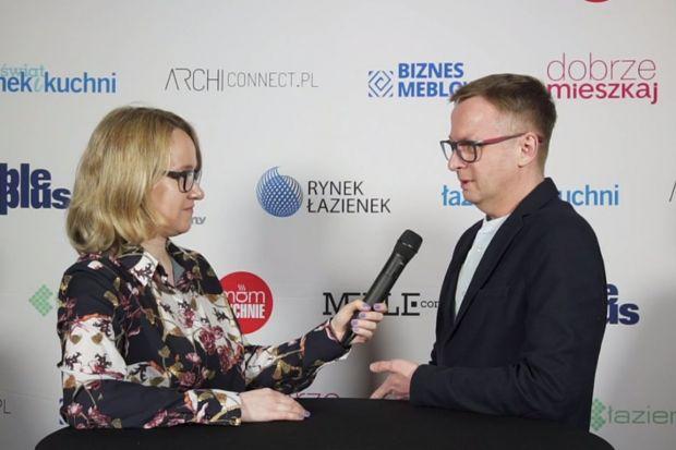 Forum Branży Łazienkowej i Kuchennej swoją obecnością uświetnili również znani designerzy. Rozmawialiśmy z Marcinem Jędrzakiem o specyfice projektowania produktów do łazienek i recepcie na projektowanie zrównoważone.