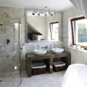 Urządzamy łazienkę. Projekt: Beata Ignasia. Fot. Bartosz Jarosz