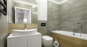 Jak urządzić wygodną i ładną łazienkę, która spełni wszystkie nasze potrzeby? Warto o tym pomyśleć już na etapie projektu.