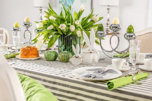 Dekoracja świątecznego stołu może być prawdziwą przyjemnością. Zwłaszcza, gdy efekt końcowyzachwyca gości, a świąteczne dania prezentują się na znakomicie.