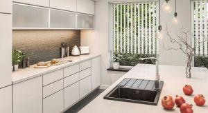 Chociaż stworzenie aranżacji przy zastosowaniu ciemnych barw wymaga większej odwagi, to mniejsze akcenty, takie jak zlewozmywaki, czy baterie łazienkowe i kuchenne w czarnym kolorze mogą z powodzeniem odmienić wnętrza, a wręcz dodać im charakteru