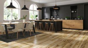Niepowtarzalna struktura, ekologiczny charakter, szlachetny wygląd – drewno to jeden <br />z najpiękniejszych materiałów wykończeniowych.