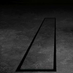Czarna łazienka - wraca moda na ciemne barwy. Fot. Tece