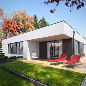 Nawiązuje on klimatem do nadmorskich willi. Igo 2 to efektowny i niedrogi dom parterowy z garażem, odpowiadający potrzebom 4-osobowej rodziny. Dom Igo 2. Projekt i zdjęcia: Archetyp