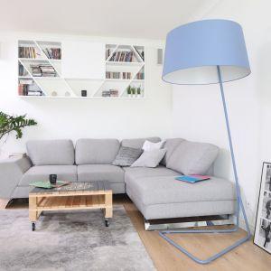 Strefa wypoczynku w salonie. Projekt: Laura Sulzik. Fot. Bartosz Jarosz