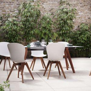 Piękny taras na lato - nowe kolekcje mebli ogrodowych:  krzesło Adelaide. Fot. BoConcept