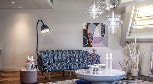 Wysmakowane i eleganckie wnętrza, a także unikalne prace światowej sławy artystów – Sky Loft, najnowszy apartament na Złotej 44, stanowi redefinicję pojęcia wielkomiejskiego luksusu.
