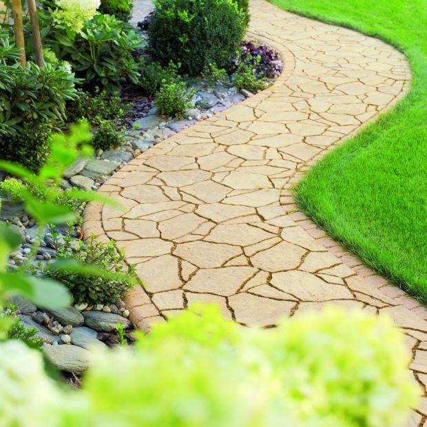 Urządzamy ogród. Wybierz nawierzchnie na taras ścieżki ogrodowe