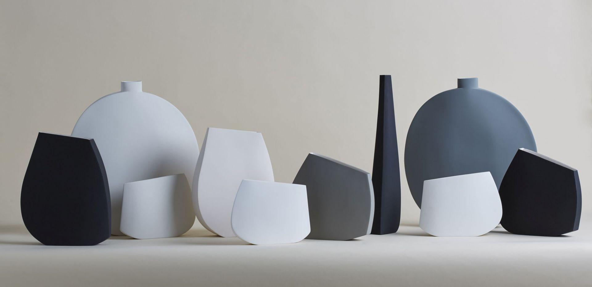 Kose to mediolańska manufaktura, którą prowadzi Rosaria Rattin. Projektowane przez nią wazy charakteryzują się czystymi formami. Fot.Mood-Design/KOSE