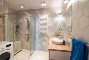 Odnowiona łazienka. Projekt i zdjęcia: Perfect Space