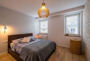 Po remoncie właściciele zyskali stylową sypialnię. Projekt i zdjęcia: Perfect Space