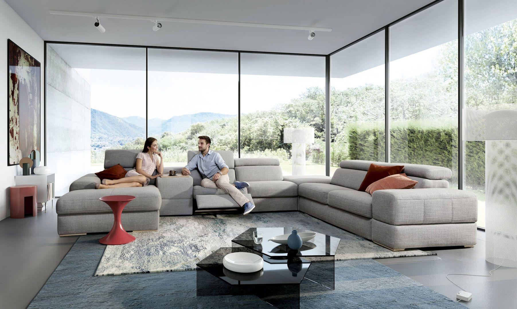 Modułowa kolekcja Plaza oferuje m.in. narożniki, sofy, fotele z funkcją relaksu. Fot. Gala Collezione