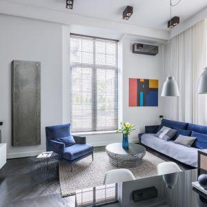 Tym, co wyróżnia grzejnik Rebus spośród innych jest osłona wykonana z betonu architektonicznego. Dzięki nowoczesnej metodzie produkcji betonu i użyciu odpowiednich mieszanek, grubość ścianki obudowy betonowej wynosi tylko ok. 8-10 mm. Fot. Luxrad