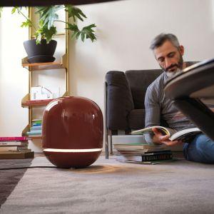 EVE - grzejnik w formie nastrojowej lampy to idealne rozwiązanie dla tych, którzy dawno wyposażyli swoje mieszkania, domy czy biura w ogrzewanie, a chcieliby zyskać komfort dodatkowego ciepła. Fot. Tubes / Kalmar