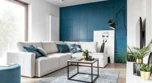 Komfort to najważniejsza cecha mieszkania, a strefa domowego komfortu znajduje się zawsze w tym samym miejscu – na sofie. Urządzając przestrzeń wypoczynku zadbajmy, aby aranżacja sprzyjała wyciszeniu oraz zapewniała wygodę.