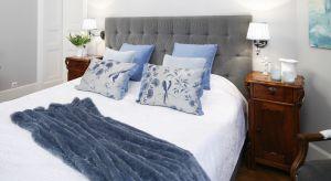 Chłodne odcienie niebieskiego łączą w sobie pewnego rodzaju wyrafinowanie, bezpretensjonalność oraz beztroskę. Podpowiadamy, jak w ciekawy sposób wprowadzić je do wnętrza sypialni.