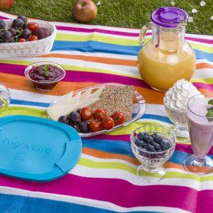 Kolorowe akcesoria na piknik. Fot. Zasmakuj radości