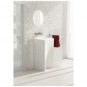 Umywalka wolnostojąca z kolekcji Rea. Fot. Marmorin Design