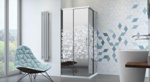 Łazienka – miejsce, w którym zazwyczaj zaczynamy i kończymy dzień. Między innymi dlatego tak ważne jest, by była jednocześnie piękna i komfortowa. W osiągnięciu tego, pomocna będzie odpowiednia kabina prysznicowa.