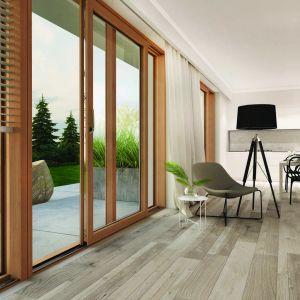 Duże przeszklenia - Roto Patio Inowa okucie drzwi i  okien drewniano-aluminiowych. Fot. Roto