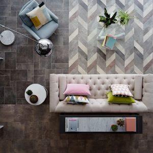Maksymalizm printy i naśladujemy naturę - panele Amtico. Fot. Carpet Studio