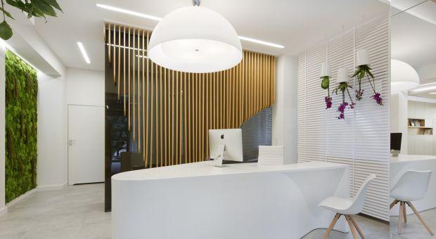 Przyjazny gabinet stomatologiczny - dobry design i biały uśmiech