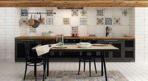 Płytki ceramiczne są nadal najczęściej stosowane do wykończenia ścian i podłóg w kuchni. Nic dziwnego - są wytrzymałe, odporne na wilgoć i łatwe do utrzymania w czystości. Poza tym producenci oferują coraz bardziej atrakcyjne wzornictwo.
