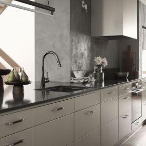 Kuchnia Solid o prostej, klasycznej formie. Lekko zaokrąglone fronty występują w 12 kolorach. Fot. Ballingslöv