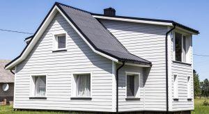 Odcień elewacji jest jedną z pierwszych rzeczy, na którą zwraca się uwagę patrząc na budynek. Umiejętnie dopasowany podkreśla zalety domu i tuszuje jego niedoskonałości. Wyjaśniamy, jak dobrać kolor elewacji, by budynek na tym skorzystał.