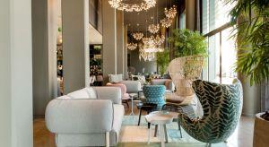 W przypadku wykończenia wnętrz hotelowych równie ważna jak design jest ich funkcjonalność. Dlatego tak duże znaczenie przy tworzeniu przestrzeni HoReCa ma dobór materiałów. Z myślą o branży hotelarskiej, na targach Interzum, odbywających si�