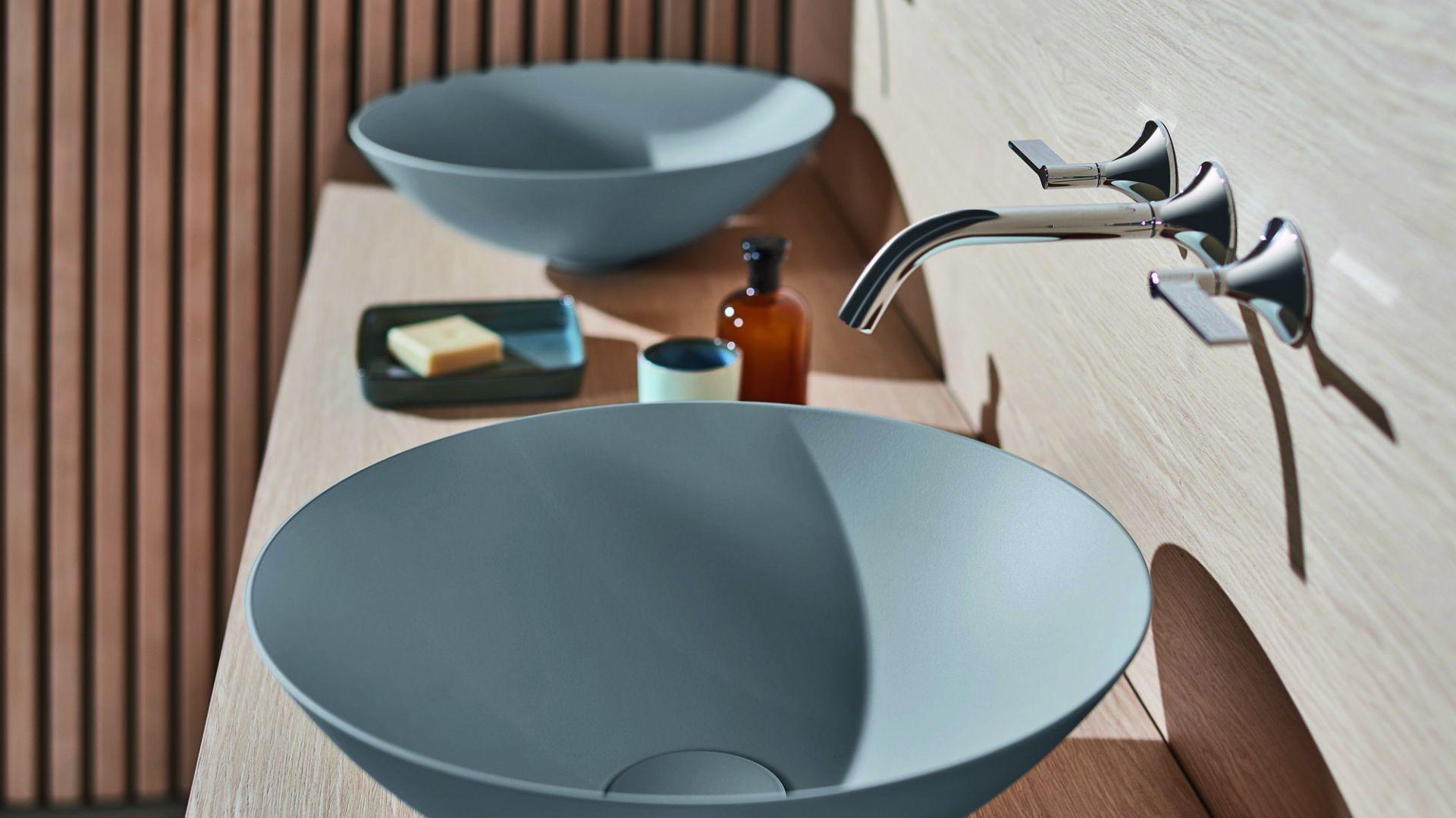 Do naszej łazienki wybierzmy umywalki z kolekcji Terra dostępne w czterech odcieniach szarości. Ich nowoczesne matowe wykończenie doskonale sprawdzi się zarówno w minimalistycznych wnętrzach, jak i klasycznych łazienkowych aranżacjach. Fot. Terra