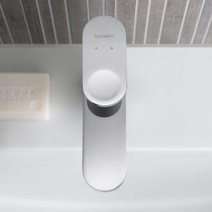 Bateria B.3 doskonale pasuje do wszystkich serii łazienkowych, do tego jest dostępna w przystępnej cenie. Fot. Duravit