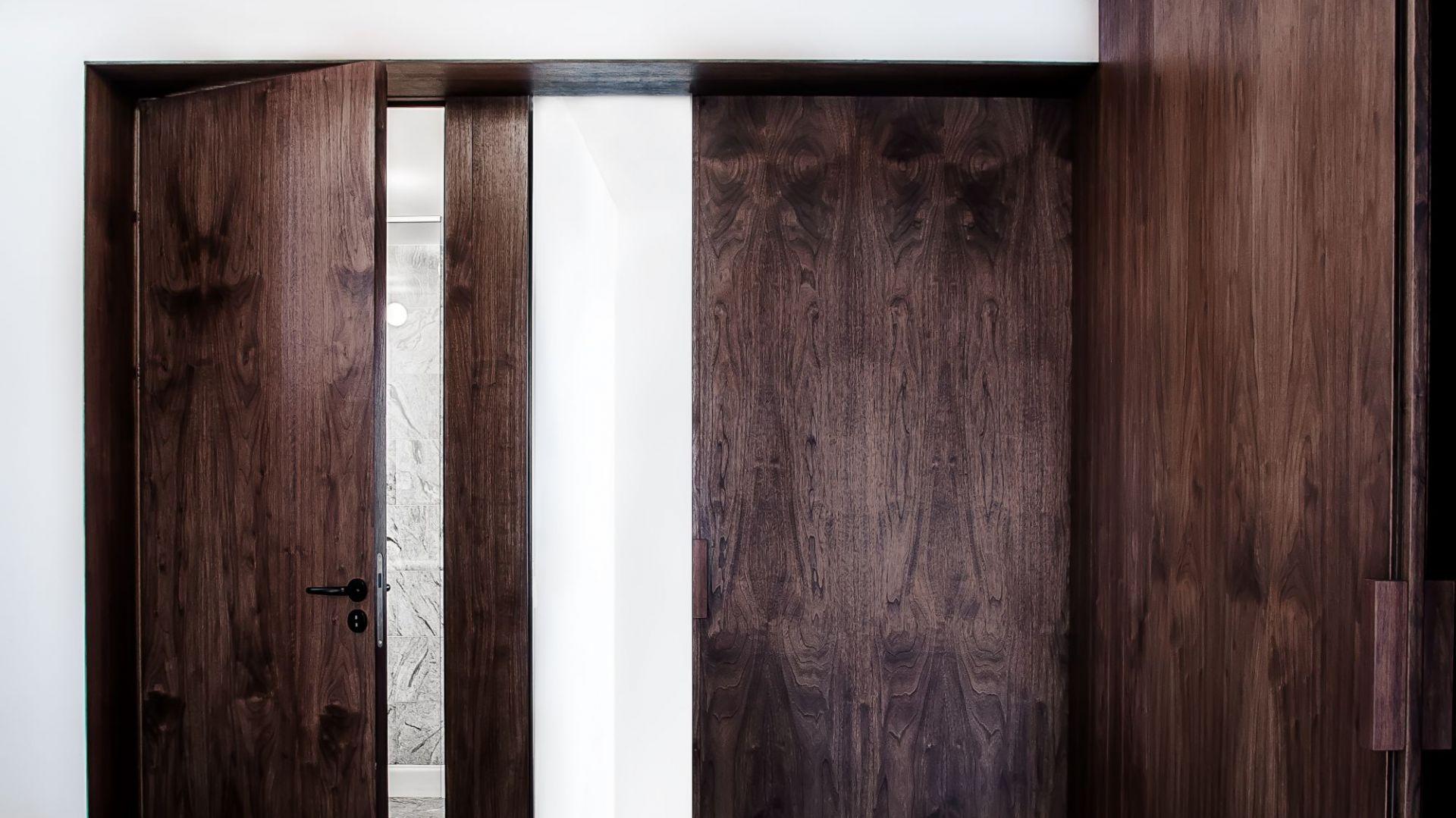 Przebudowa domu w Kiekrzu. : Biuro projektowe Atelier Starzak Strebicki. Fot. Mateusz Bieniaszczyk