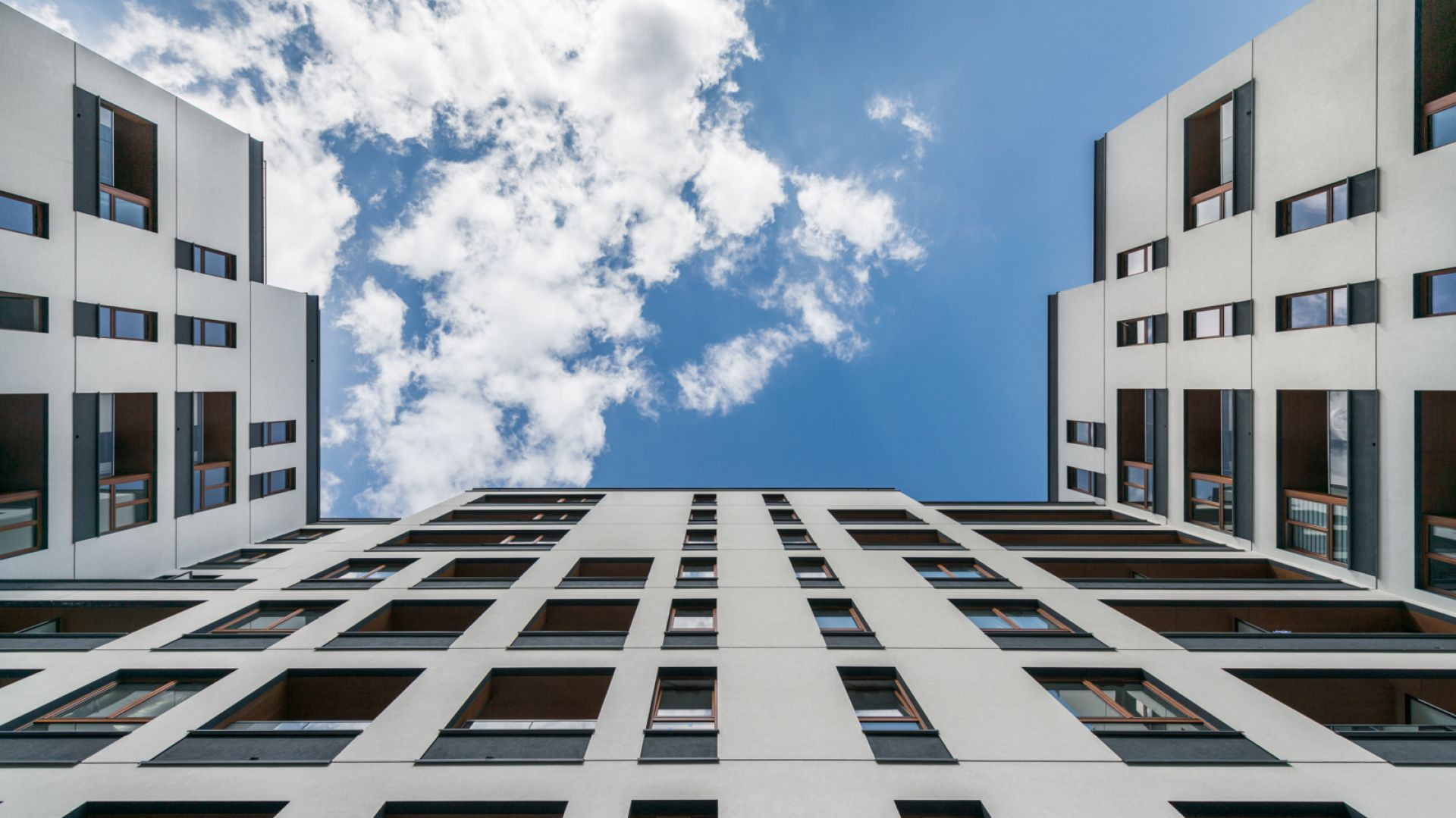 Nowe spojrzenie na doświetlenie mieszkań: osiedle  Holm House. Fot. Skanska
