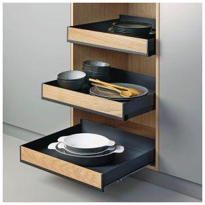 Extendo – praktyczne, wygodne półki o wszechstronnym  zastosowaniu użytkowania i ciekawym designie. Posiadają one ergonomiczny kształt i są wyprofilowane z jednolitej blachy, by zachować wysoką sztywność. Fot. Peka