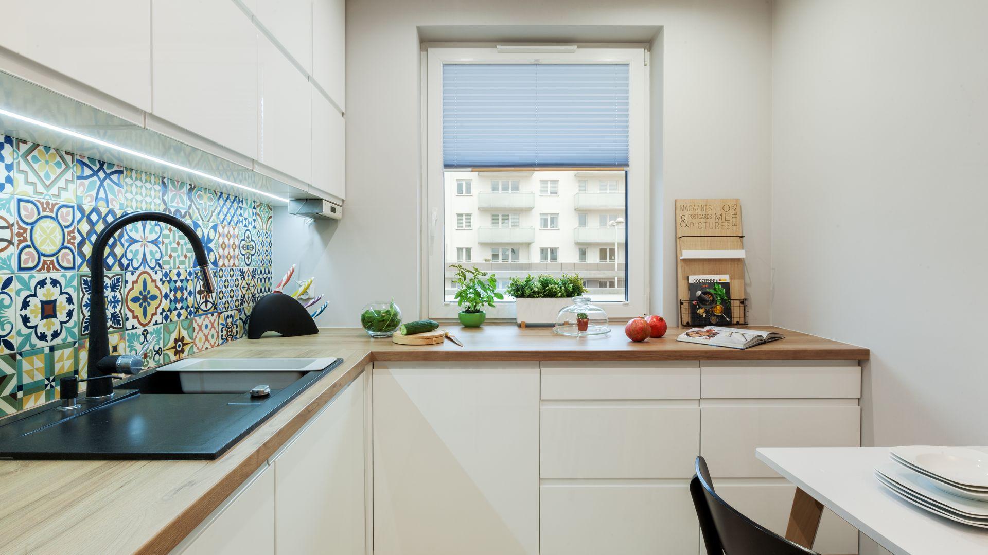 Stół w kuchni był jednym z priorytetów projektu. Projekt: Justyna Mojżyk. Fot. Monika Filipiuk-Obałek