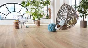 Innowacyjny system olejów wydobywa naturalne piękno drewnianych podłóg.