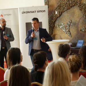 Prezentacja KNX Poland: od lewej Maciej Turski (Futunext) i Karol Tarajkowski (Intelidom Group)
