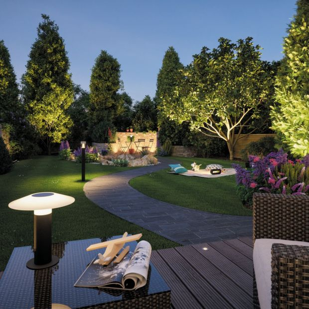 Lampy solarne – tanie i ekologicznie oświetlenie do ogrodu