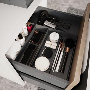 Praktyczne i eleganckie wkłady do szuflad z serii akcesoriów DefraBox pomagają utrzymać ład i porządek w szufladach. Fot.  Defra