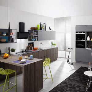 ARIA - serii produktów do zabudowy w skład której wchodzi m.in. piekarnik z funkcją Turn&Cook, która oferuje 80 różnych gotowych przepisów. Fot. Indesit