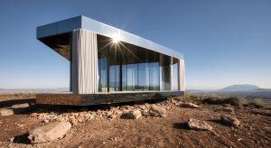 """Zlokalizowany w Gorafe w Grenadzie (Hiszpania) """"La Casa del Desierto"""" (Dom na Pustyni)to pionierski projekt zrealizowany przez firmę Guardian Glass, który rzuca wyzwanie naturze, poddając swoje szklane rozwiązania próbie odporności na warunki"""