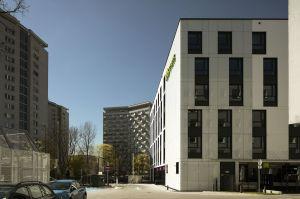 Hotel ma sześć nadziemnych kondygnacji i jedną podziemną. Znajduje się w nim 179 pokoi.  Projekt: Tremend. Fot. Yassen Hristov