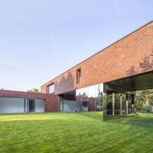 Living-Garden House to krok do tego ideału. Uzmysławia jego mieszkańcom, że są częścią większego ekosystemu.