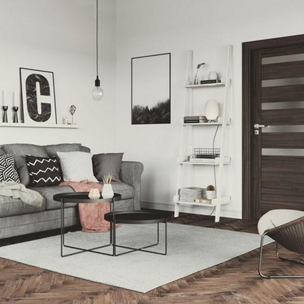 Drzwi wewnętrzne - modne modele w kolorach drewna