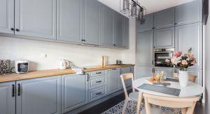Blat kuchenny to miejsce wykonywania codziennych prac. Powinien więc być trwały i odporny na działanie czynników zewnętrznych.