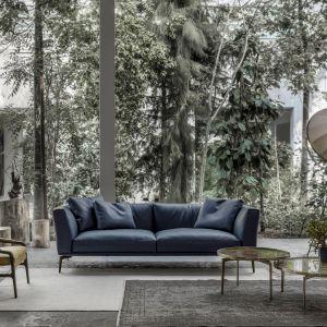 Sofa Horizon (proj. Giuseppe Bavuso) w stylu ponadczasowej elegancji. Fot. Alivar