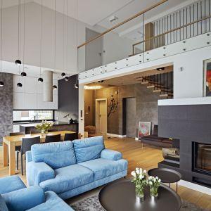 Dla właścicieli dom pod Kielcami miał być komfortowym azylem, miejscem, w którym wszyscy będą mogli realizować swoje pasje. Projekt: Kaza Interior Design. Fot. Dekorian Home