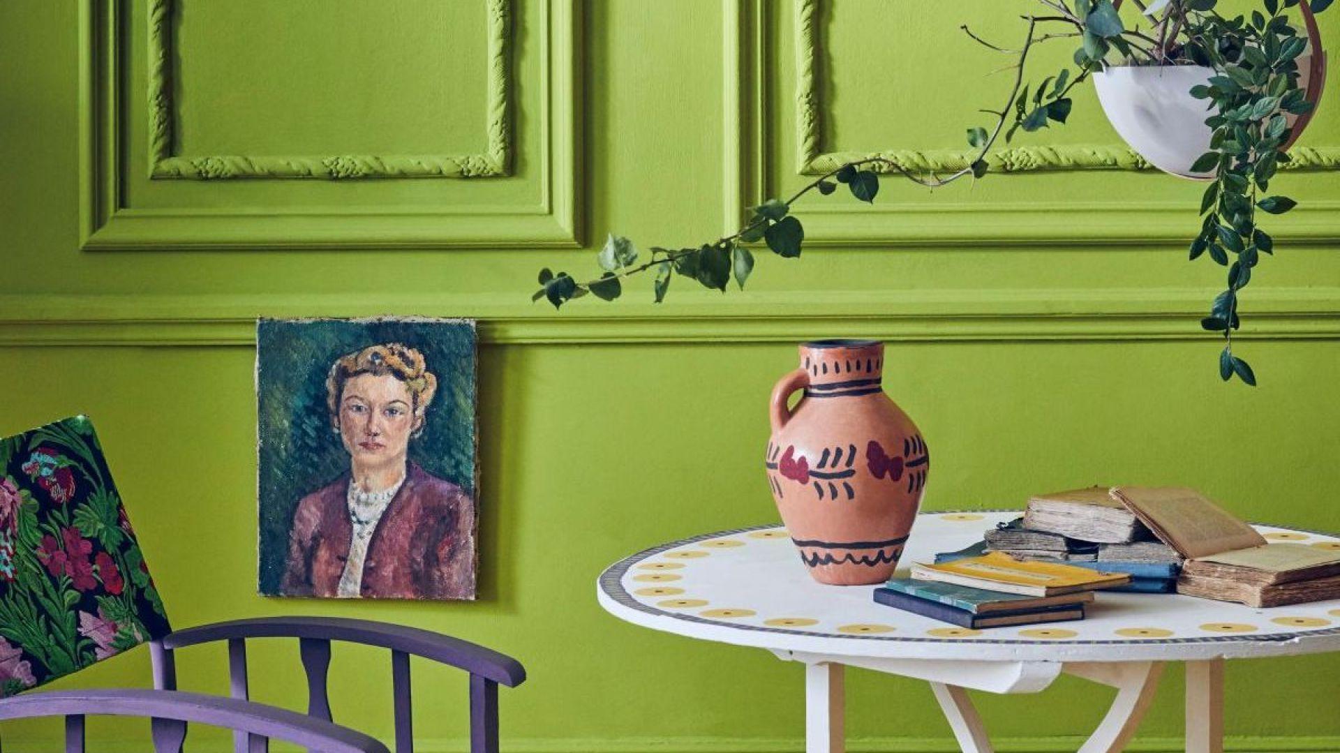 Żywa zieleń, śliwkowy i musztardowy to nowe kolory farb kredowych Annie Sloan Chalk Paint™ . Fot. Annie Sloan