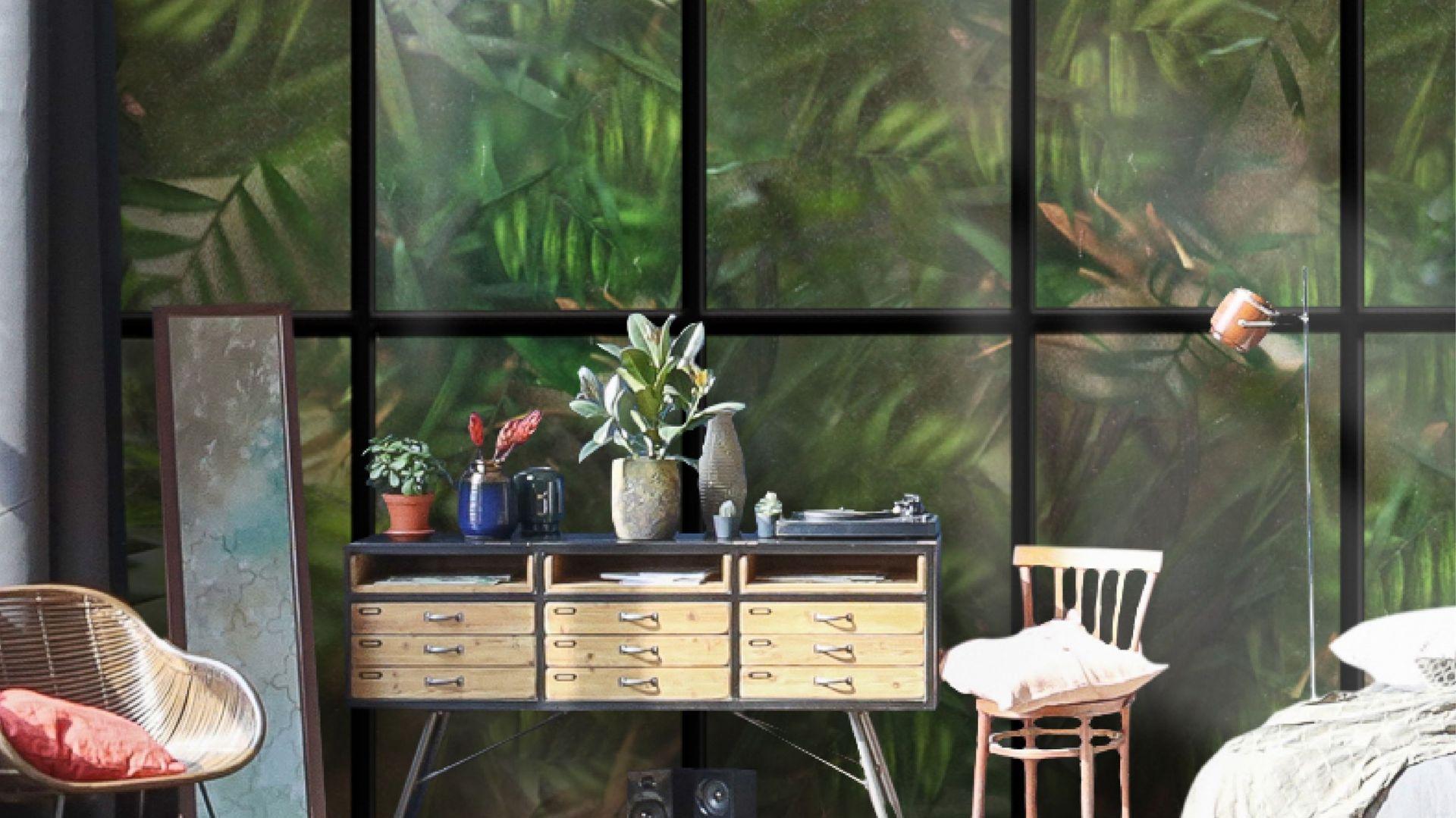 Fototapeta The world outside imituje okno z widokiem na egzotyczną wyspę. Fot. Wallpepper